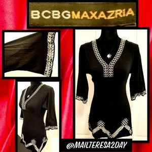 💖BCBGMAXAZRIA SIZE SMALL HOLLOWED OUT TOP
